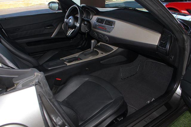 2004 BMW Z4 3.0i PREMIUM, SPORT & CONVENIENCE PKGS! Mooresville , NC 32