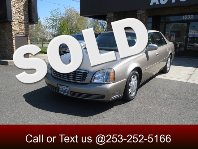 2004 Cadillac DeVille If your in the market for a comfortable cruiser then look no further This 2