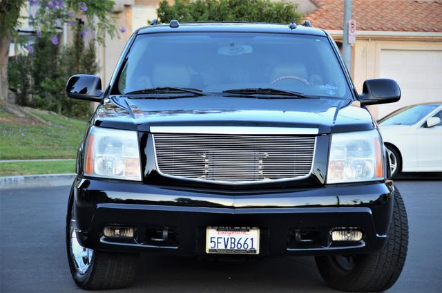 2004 Cadillac Escalade ESV 4WD - SUNROOF - LTHR - DVD - 3RD ROW Reseda, CA 12