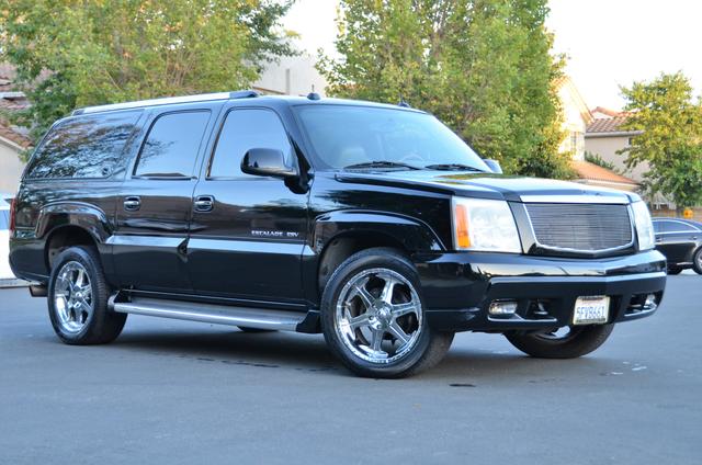 2004 Cadillac Escalade ESV 4WD - SUNROOF - LTHR - DVD - 3RD ROW Reseda, CA 13