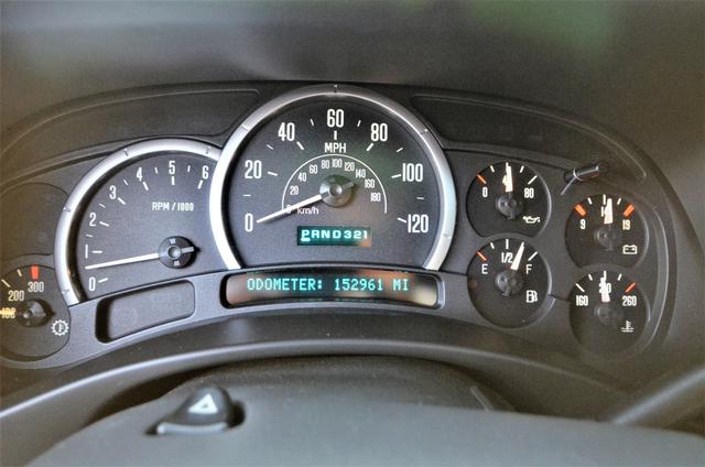 2004 Cadillac Escalade ESV 4WD - SUNROOF - LTHR - DVD - 3RD ROW Reseda, CA 36