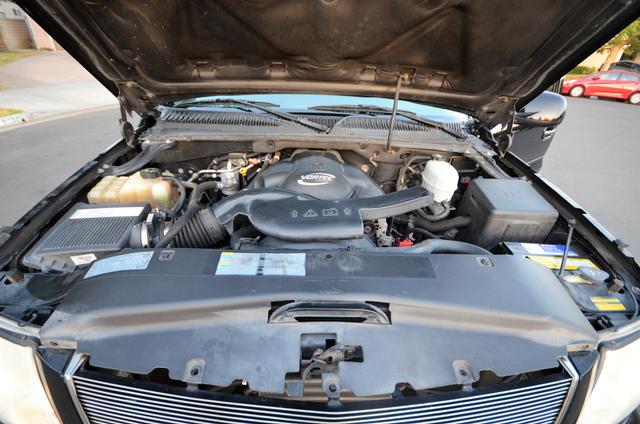 2004 Cadillac Escalade ESV 4WD - SUNROOF - LTHR - DVD - 3RD ROW Reseda, CA 37