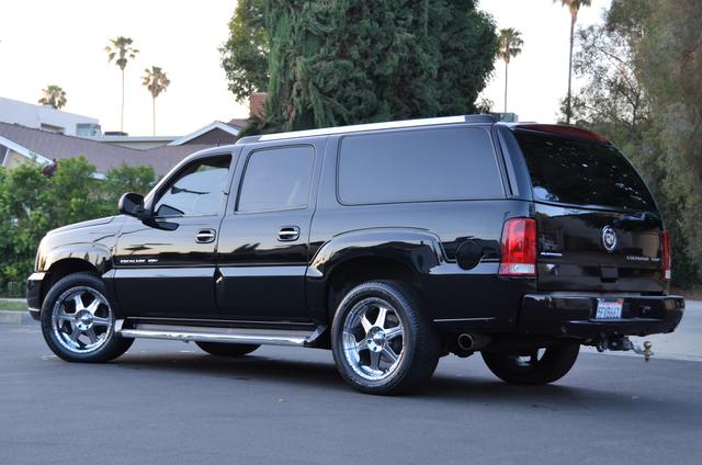 2004 Cadillac Escalade ESV 4WD - SUNROOF - LTHR - DVD - 3RD ROW Reseda, CA 18