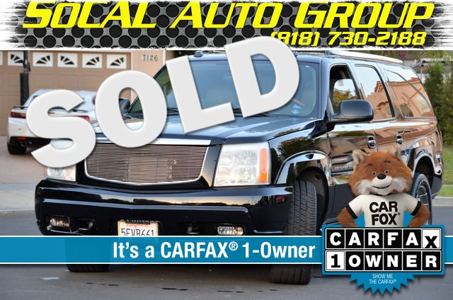 2004 Cadillac Escalade ESV 4WD - SUNROOF - LTHR - DVD - 3RD ROW Reseda, CA 0