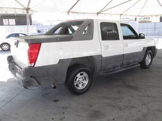 2004 Chevrolet Avalanche Gardena, California 2