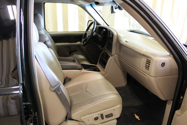 2004 Chevrolet Avalanche 2500 8.1L Roscoe, Illinois 19