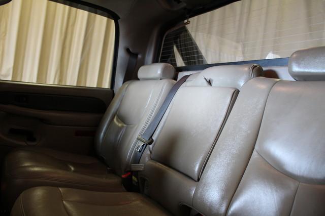 2004 Chevrolet Avalanche 2500 8.1L Roscoe, Illinois 24