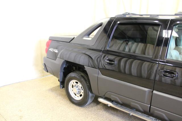 2004 Chevrolet Avalanche 2500 8.1L Roscoe, Illinois 6