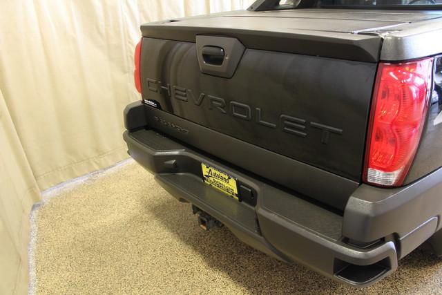 2004 Chevrolet Avalanche 2500 8.1L Roscoe, Illinois 8