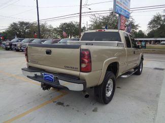 2004 Chevrolet Silverado 2500HD  HEAVY DUTY  city TX  Texas Star Motors  in Houston, TX