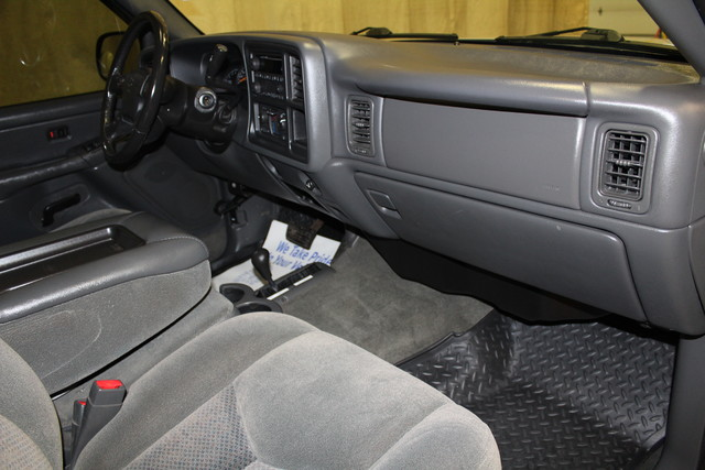 2004 Chevrolet Silverado 2500HD LONG BOX Roscoe, Illinois 17