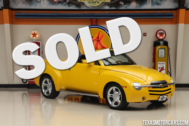 2004 Chevrolet SSR LS This Clean Carfax 2004 Chevrolet SSR LS is in great shape with only 52 712 m