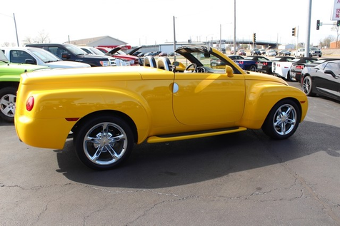 2004 Chevrolet SSR Convertible | Granite City, Illinois | MasterCars Company Inc. in Granite City, Illinois