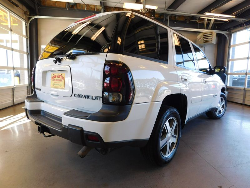 2004 Chevrolet TrailBlazer LT  city TN  Doug Justus Auto Center Inc  in Airport Motor Mile ( Metro Knoxville ), TN
