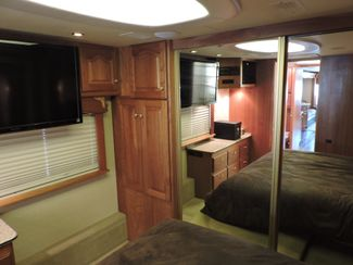 2004 Country Coach Magna 42 Bend, Oregon 32