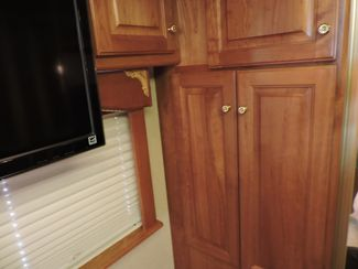 2004 Country Coach Magna 42 Bend, Oregon 37