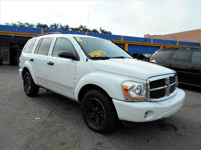 2004 Dodge Durango SLT Limited warranty included to assure your worry-free purchase AutoCheck rep