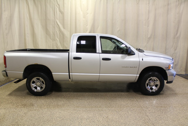 2004 Dodge Ram 1500 SLT Roscoe, Illinois 1
