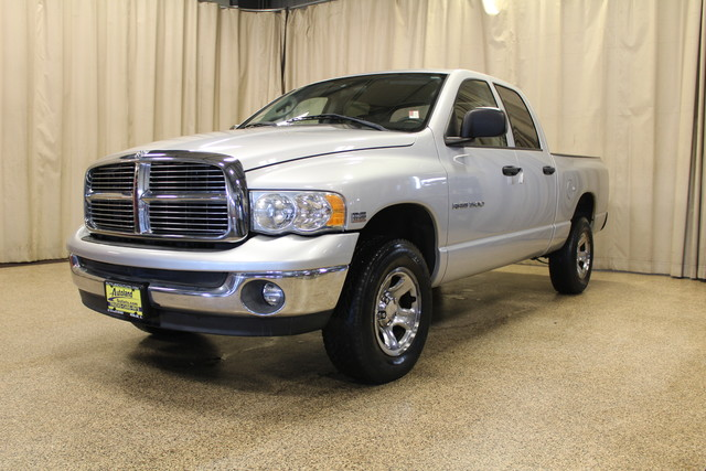 2004 Dodge Ram 1500 SLT Roscoe, Illinois 3