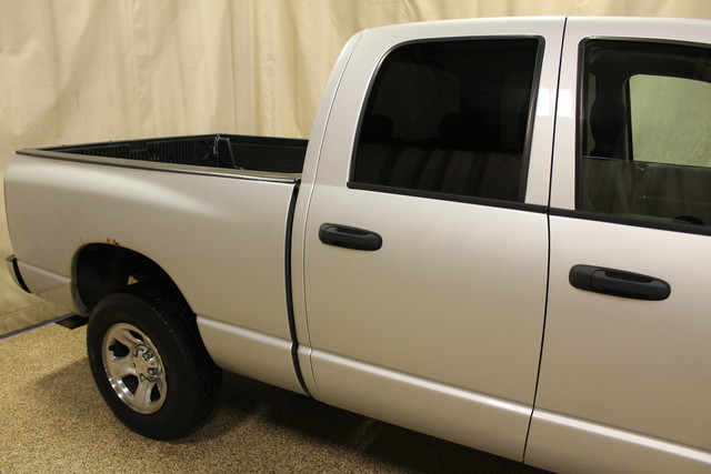 2004 Dodge Ram 1500 SLT Roscoe, Illinois 7