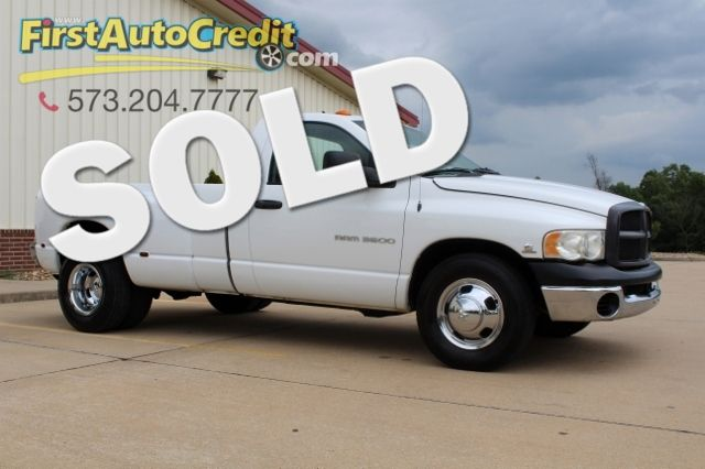 2004 Dodge Ram 3500 ST | Jackson , MO | First Auto Credit in Jackson  MO