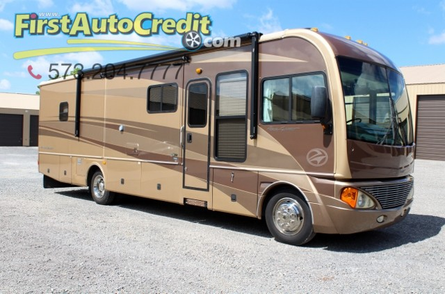 2004 Fleetwood Pace Arrow 36B  | Jackson , MO | First Auto Credit in Jackson  MO