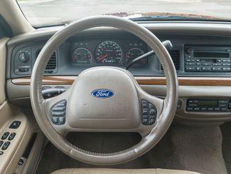 2004 Ford Crown Victoria LX Maple Grove, Minnesota 32