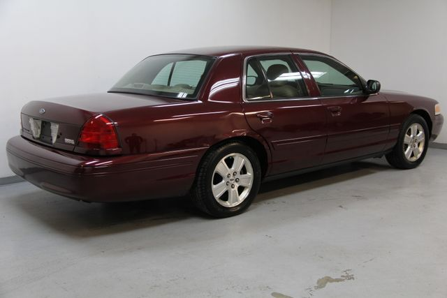 2004 Ford Crown Victoria LX Richmond, Virginia 1