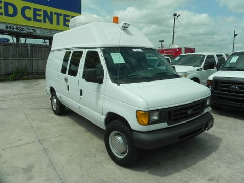 2004 Ford Econoline Cargo Van  in New Braunfels
