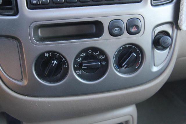 2004 Ford Escape Limited Santa Clarita, CA 19