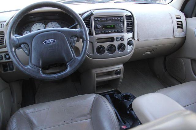 2004 Ford Escape Limited Santa Clarita, CA 8