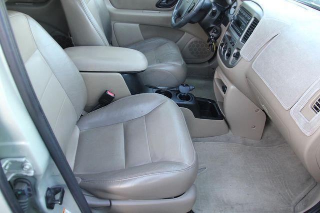 2004 Ford Escape Limited Santa Clarita, CA 16