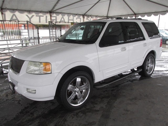 2004 Ford Expedition XLT Please call or e-mail to check availability All of our vehicles are av