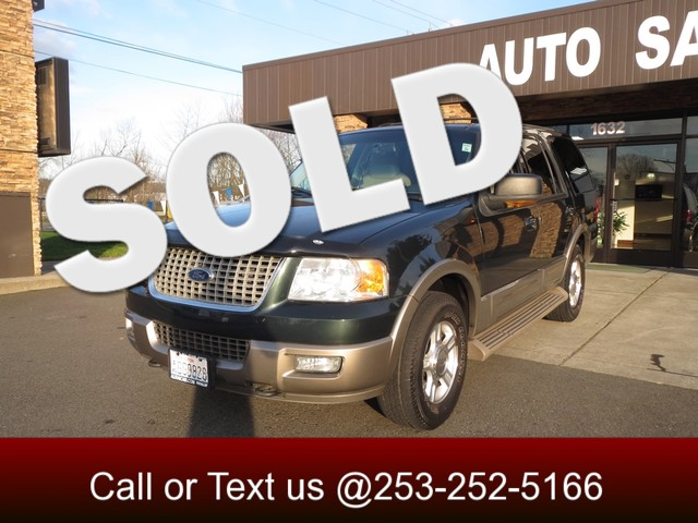 2004 Ford Expedition Eddie Bauer 4WD Looking for Luxury Our 2004 Eddie Bauer is here Featuring ri