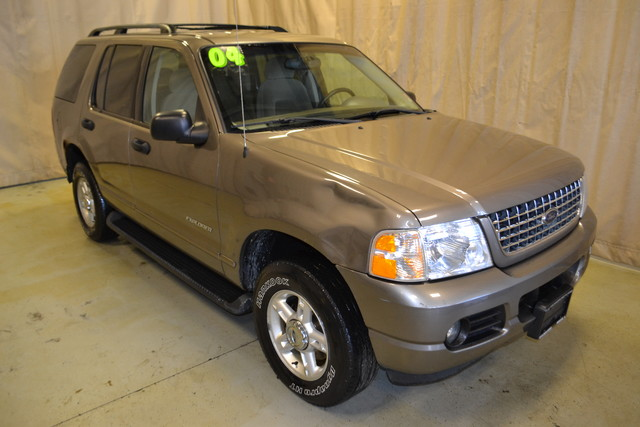 2004 Ford Explorer XLT Roscoe, Illinois 0