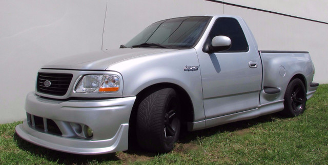2004 Ford F-150 Heritage Lightning  BEAUTIFULL  2004 FORD F-150 LIGHTNING SILVER COLOR