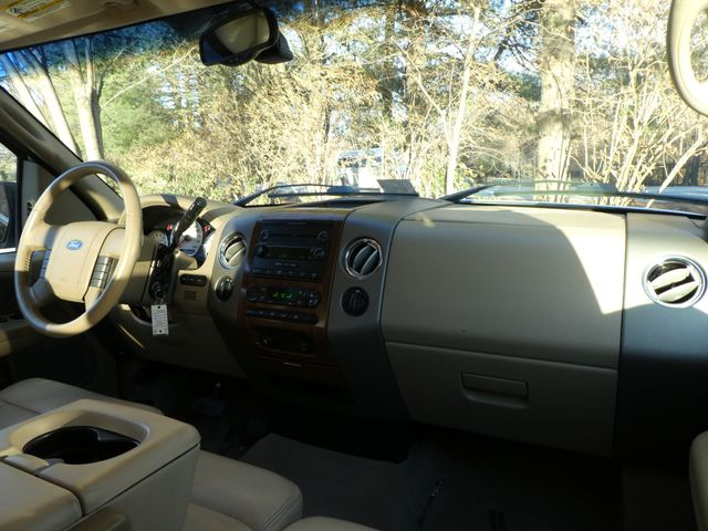2004 Ford F-150 Lariat Leesburg, Virginia 14
