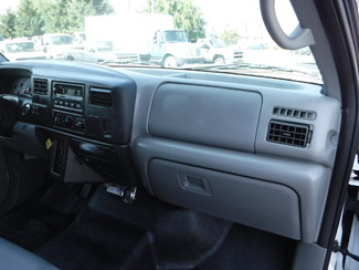 2004 Ford F750 22FT Box Truck in Ephrata, PA