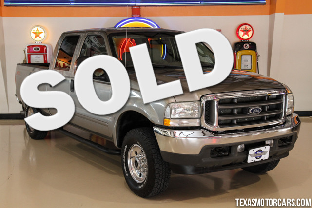 2004 Ford Super Duty F-250 XLT This Carfx 1-Owner 2004 Ford F-250 XLT 4x4 has very low mileage at