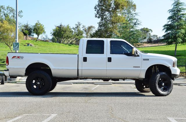 2004 Ford Super Duty F-250 Lariat Reseda, CA 19