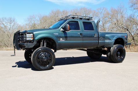 2004 Ford Super Duty F-350 DRW Lariat - LIFTED - CUSTOM - 24.5s in Liberty Hill , TX