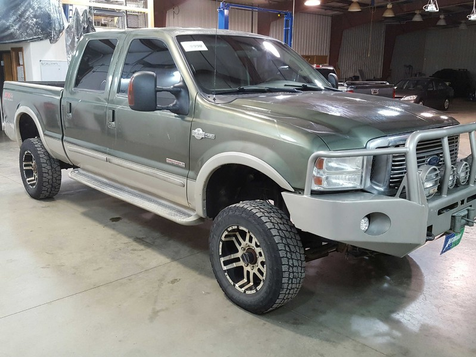 2004 Ford Super Duty F-350 SRW King Ranch in , ND
