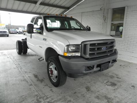 2004 Ford Super Duty F-550 DRW XL in New Braunfels