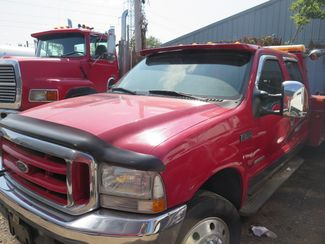 2004 Ford Super Duty F-550 DRW XL Ravenna, MI 1