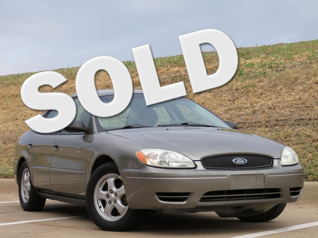 2004 Ford Taurus SE Strong running car with no frills This will make a great commuter car for anyo