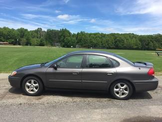 2004 Ford Taurus SE Ravenna, Ohio 1