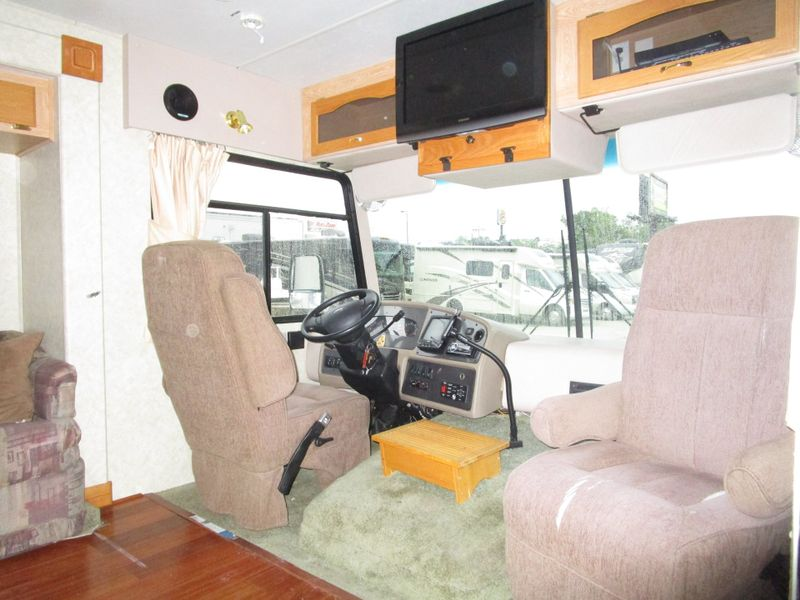 2004 Forest River Georgetown  325S  in Charleston, SC
