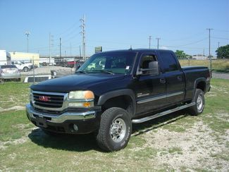 2004 GMC Sierra 2500HD SLT San Antonio, Texas 1