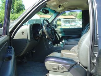 2004 GMC Sierra 2500HD SLT San Antonio, Texas 8