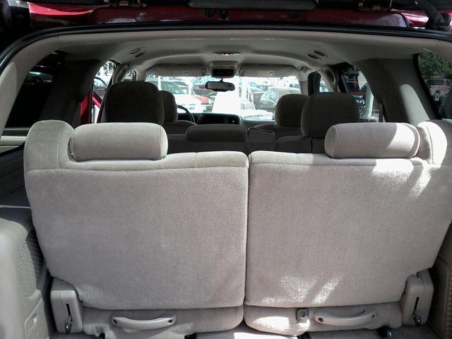2004 GMC Yukon SLE 3rd Row Seating ,Rear A/C San Antonio, Texas 13